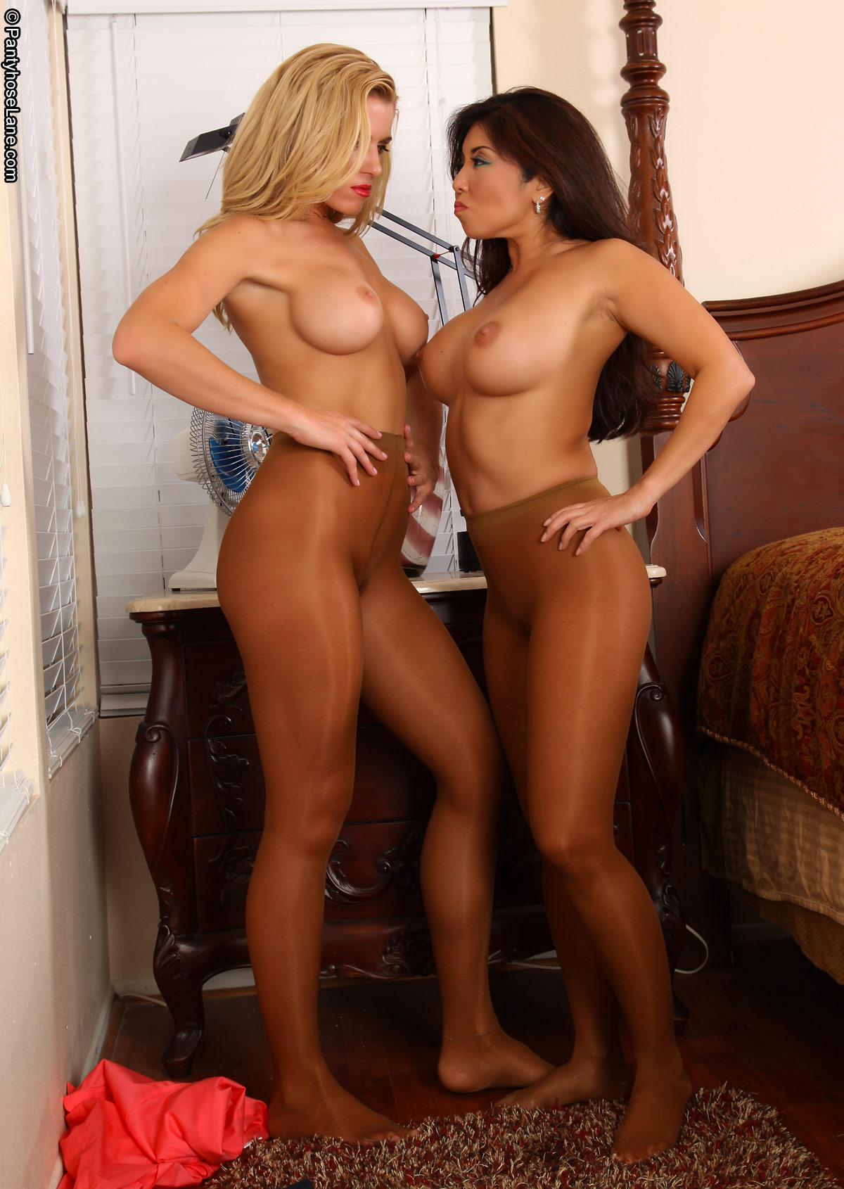 women in pantyhose Hooter