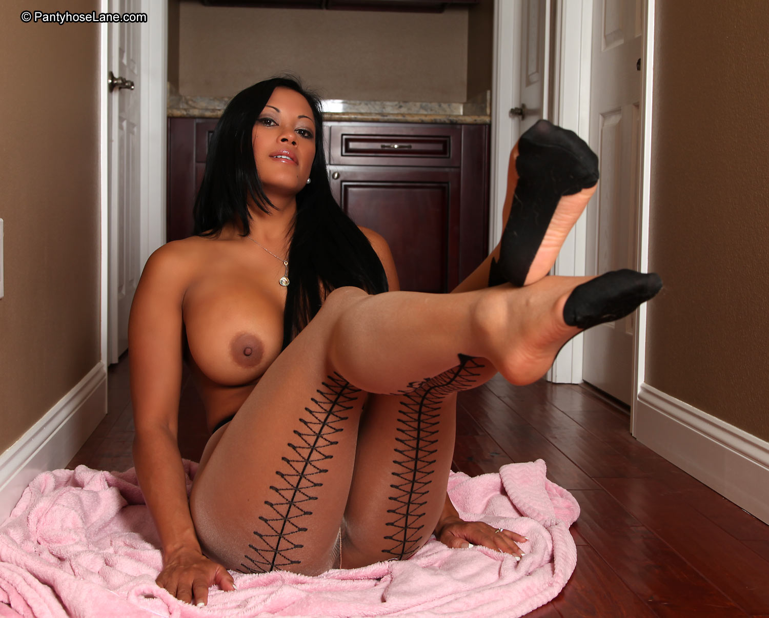 Hot....love the length pantyhose videos from pantyhose love hairy